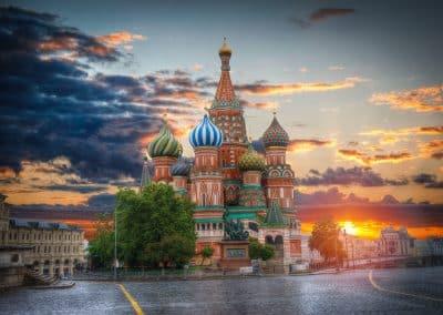 Лятната магия на Москва и Санкт Петербург